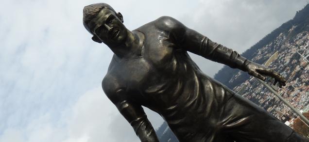 pomnik ronaldo Kontrowersyjny pomnik Ronaldo w Funchal