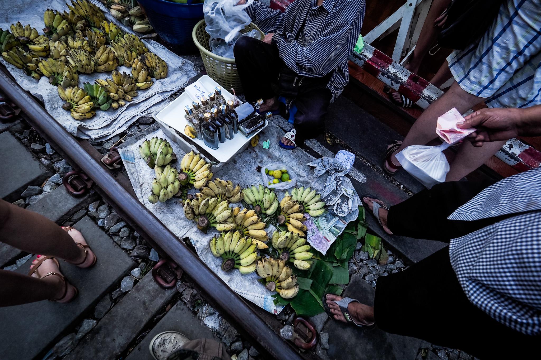 Bangkok 554 Atrakcje Bangkoku: targ na torach (Mae Klong)