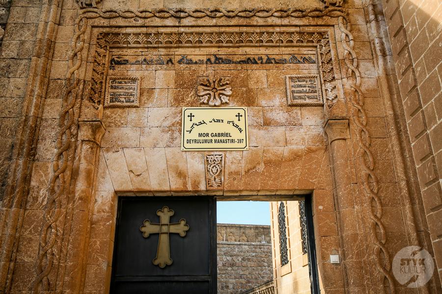 Wtorek 8115 Co warto zobaczyć w Midyat? Kamienna architektura i monastyr Mor Gabriel