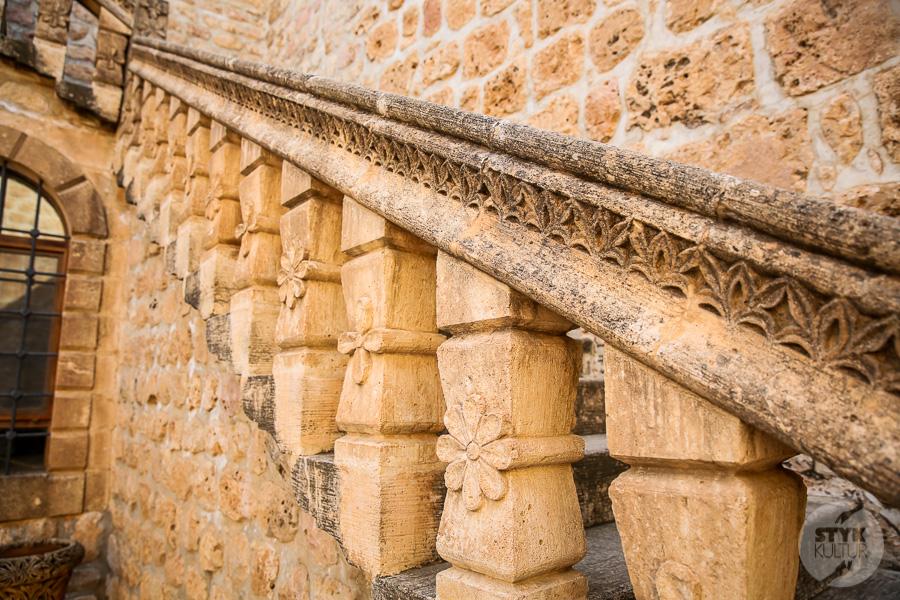Wtorek 8135 Co warto zobaczyć w Midyat? Kamienna architektura i monastyr Mor Gabriel