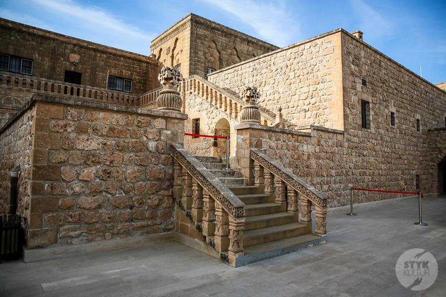 Wtorek 8157 Co warto zobaczyć w Midyat? Kamienna architektura i monastyr Mor Gabriel