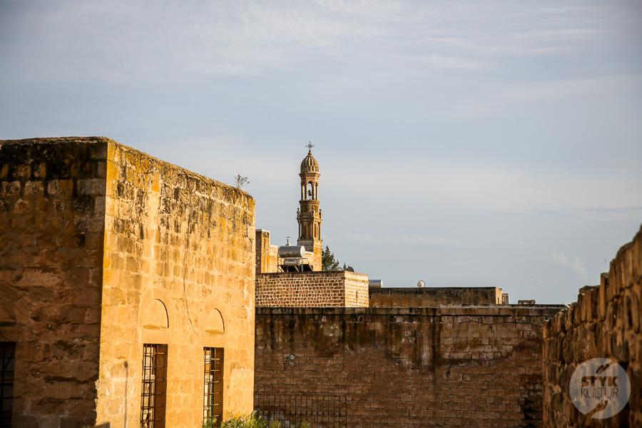 Wtorek 8169 Co warto zobaczyć w Midyat? Kamienna architektura i monastyr Mor Gabriel