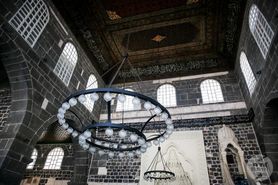 Wtorek 7869 Wielki Meczet w Diyarbakır   najstarsza islamska świątynia Mezopotamii