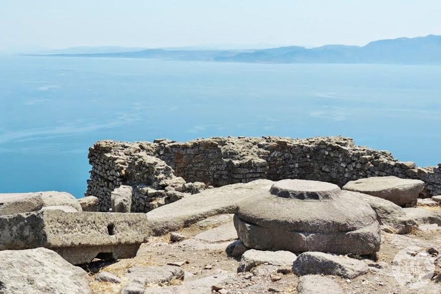assos10 Starożytne Assos w Turcji, w pobliżu wsi Behramkale