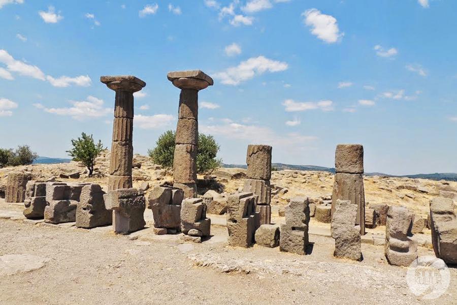 assos12 Starożytne Assos w Turcji, w pobliżu wsi Behramkale