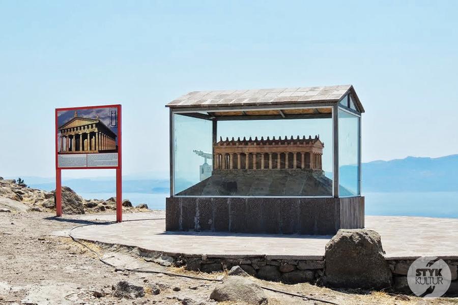 assos5 Starożytne Assos w Turcji, w pobliżu wsi Behramkale