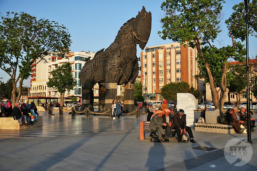 canakkale12 Çanakkale, Turcja   miasto nad cieśniną Dardanele [atrakcje, zabytki, koń trojański]