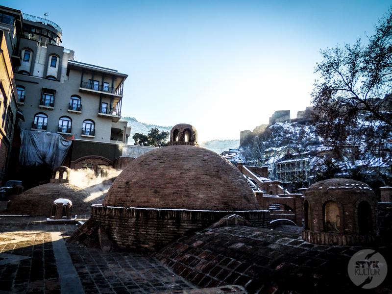 Banie 3 of 4 Co warto zobaczyć w Tbilisi? Z wizytą w gruzińskiej stolicy