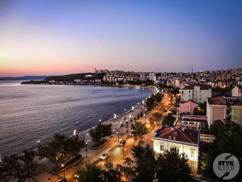 Dardanele 7 of 17 Cieśnina Dardanele w północno zachodniej Turcji
