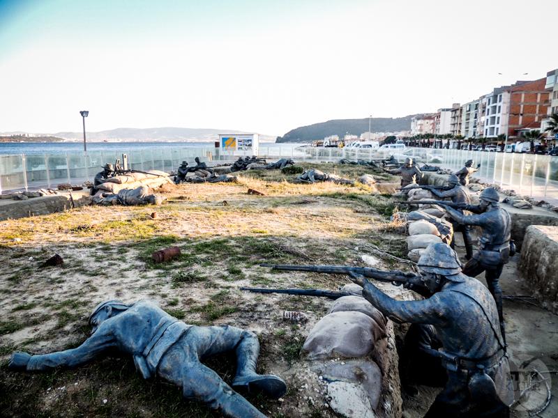 Eceabat 12 of 21 Tureckie miasteczko Eceabat na półwyspie Gallipoli