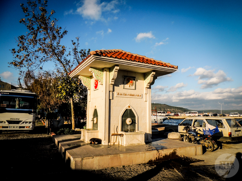 Eceabat 2 of 21 Tureckie miasteczko Eceabat na półwyspie Gallipoli