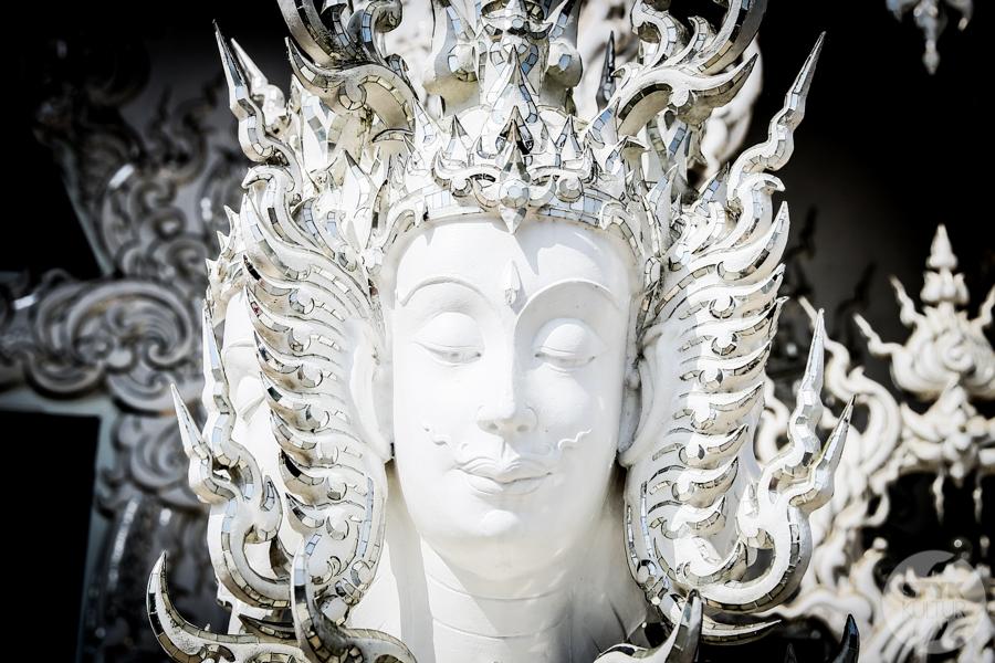 White 2222 of 1 White Temple   imponująca Biała Świątynia na północny Tajlandii