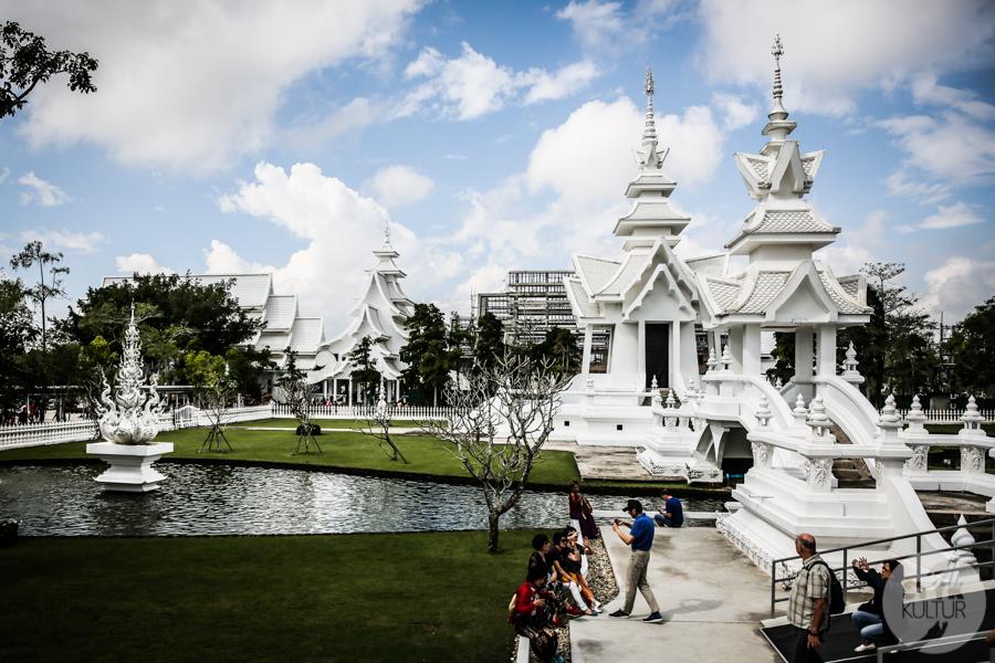 WhiteTemple 12 of 30 White Temple   imponująca Biała Świątynia na północny Tajlandii