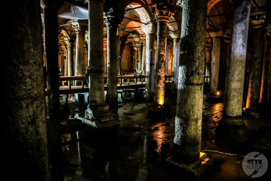 cysterna 4 Cysterna Bazyliki w Stambule (Pałac Jerebatan)