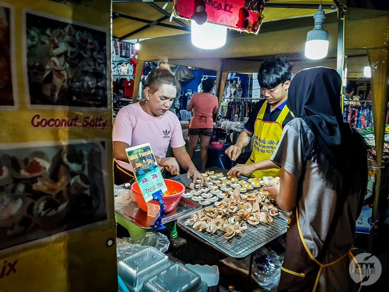 Krabi market i hotel 11 Co warto zobaczyć w Krabi Town? Największe atrakcje tajlandzkiego miasta