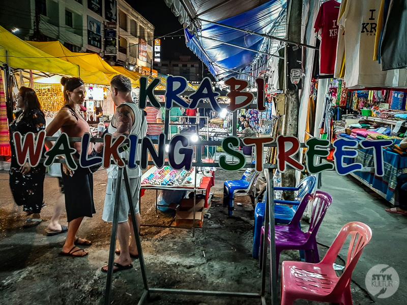 Krabi market i hotel 8 1 Co warto zobaczyć w okolicy Ao Nang? Największe atrakcje prowincji Krabi