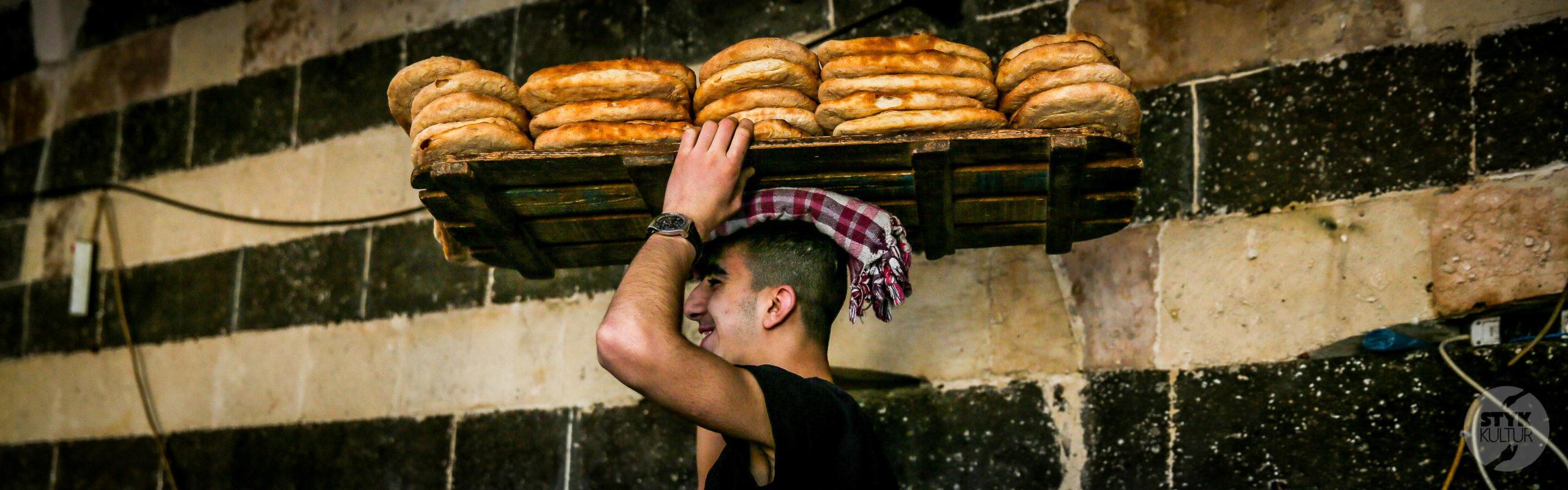 simitci scaled Turecka kuchnia   street food, czyli uliczne przysmaki królujące nad Bosforem