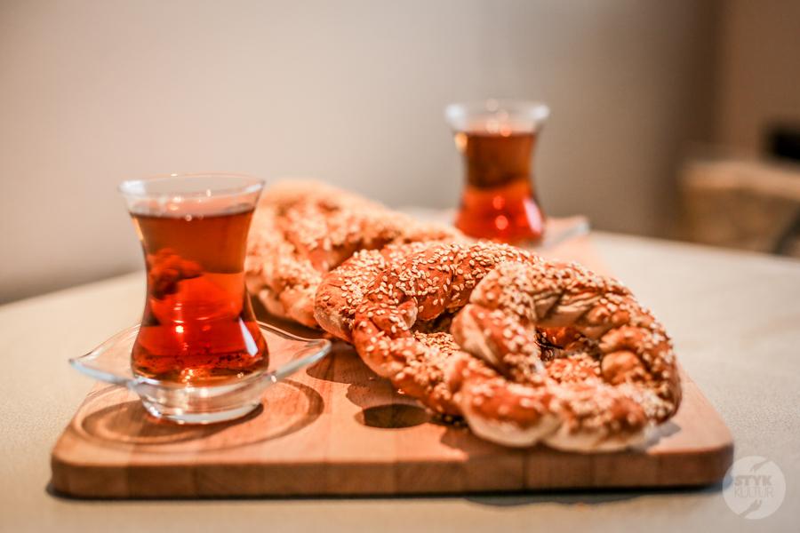 Simity 2 of 9 1 Tęsknisz za Turcją? Wypróbuj przepis na domowe simity, czyli popularne tureckie obwarzanki!