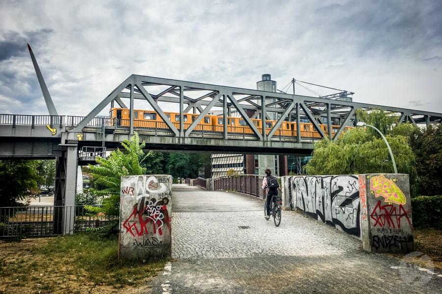 Berlin metro 10 Komunikacja miejska w Berlinie   jak podróżować po stolicy Niemiec? [metro, kolej podmiejska, autobusy, bilety]