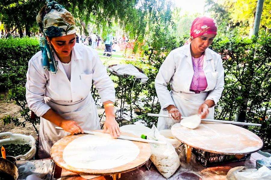 Ederlezi 1 of 12 Festiwal Wiosny w Turcji, czyli święto Ederlezi