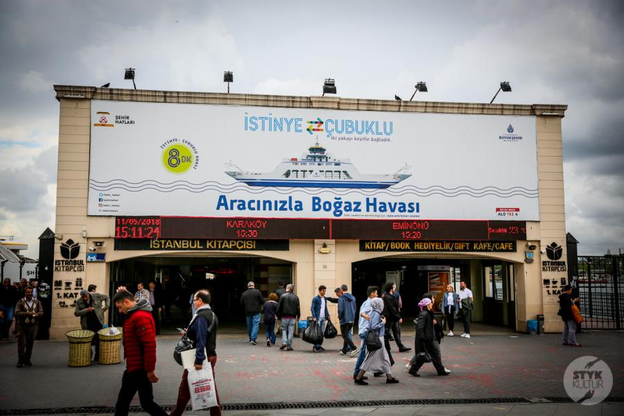 Stambul prom 2 of 4 Büyükada / Wyspy Książęce   wczasy bez samochodu, z widokiem na Stambuł