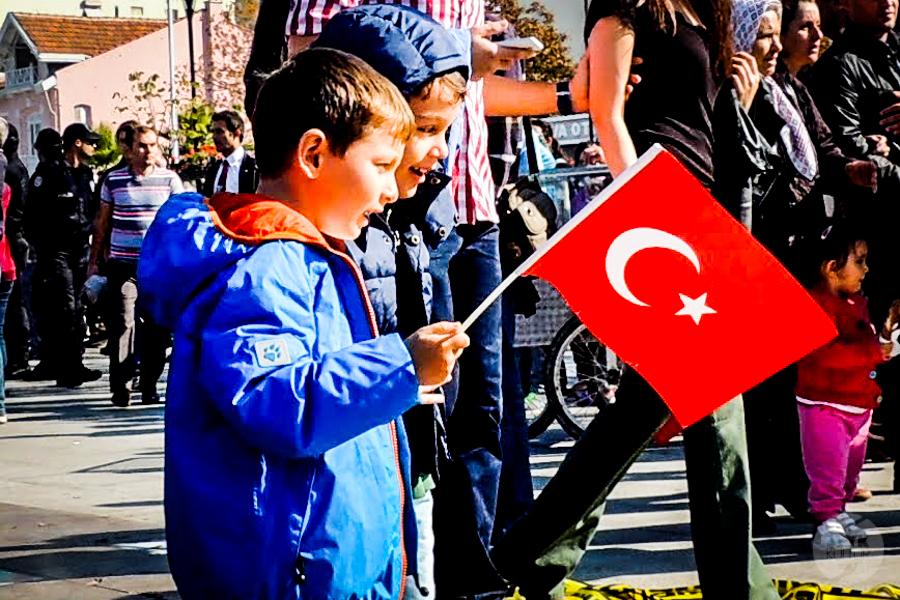 Turcy 4 of 5 Jacy są Turcy? Rodzinność