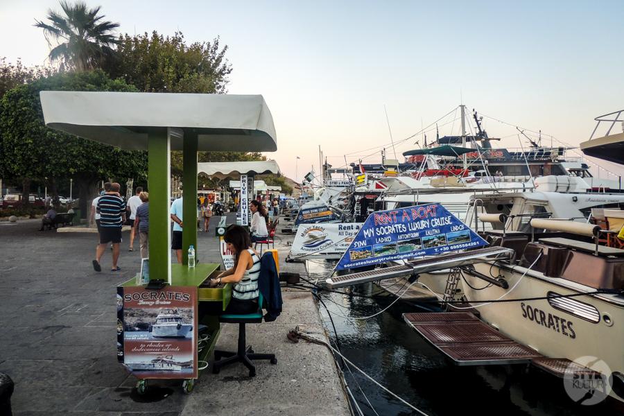 Rodos port 1 Co warto zobaczyć w mieście Rodos? 12 najpopularniejszych atrakcji stolicy greckiej wyspy