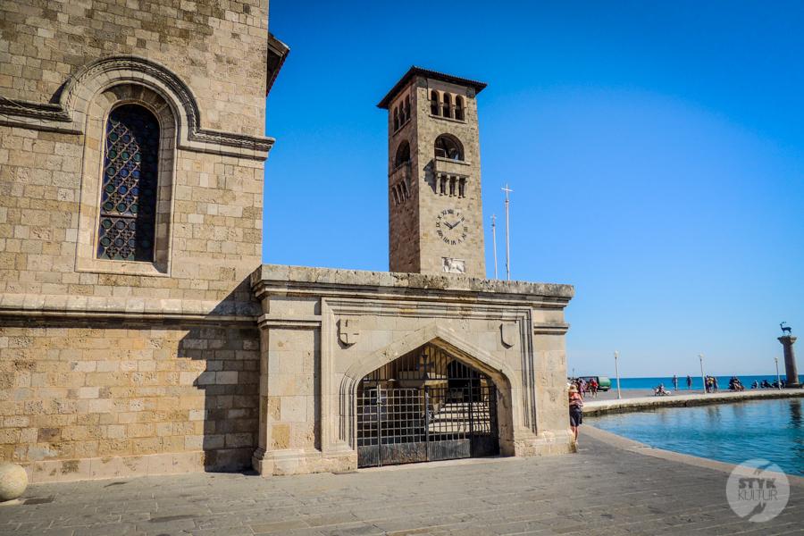 Rodos port5 4 Co warto zobaczyć w mieście Rodos? 12 najpopularniejszych atrakcji stolicy greckiej wyspy