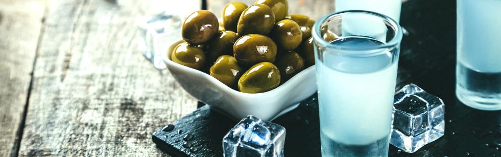 raki1 Czy Turcy piją alkohol? Rakı, czyli turecka wódka anyżowa
