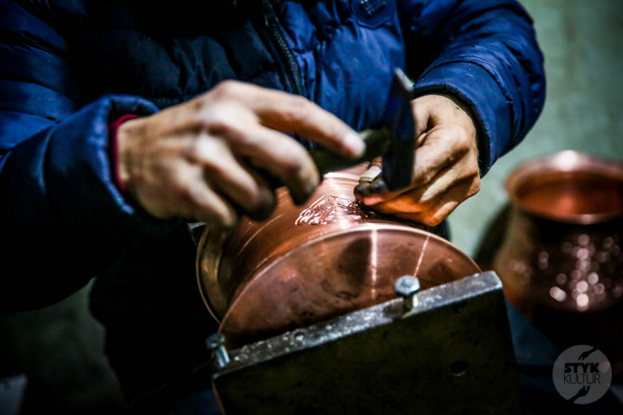 Diyarbakir miedz 15 of 25 Z odwiedzinami w warsztacie jednego z mistrzów tradycyjnego miedziarstwa w tureckim Diyarbakır
