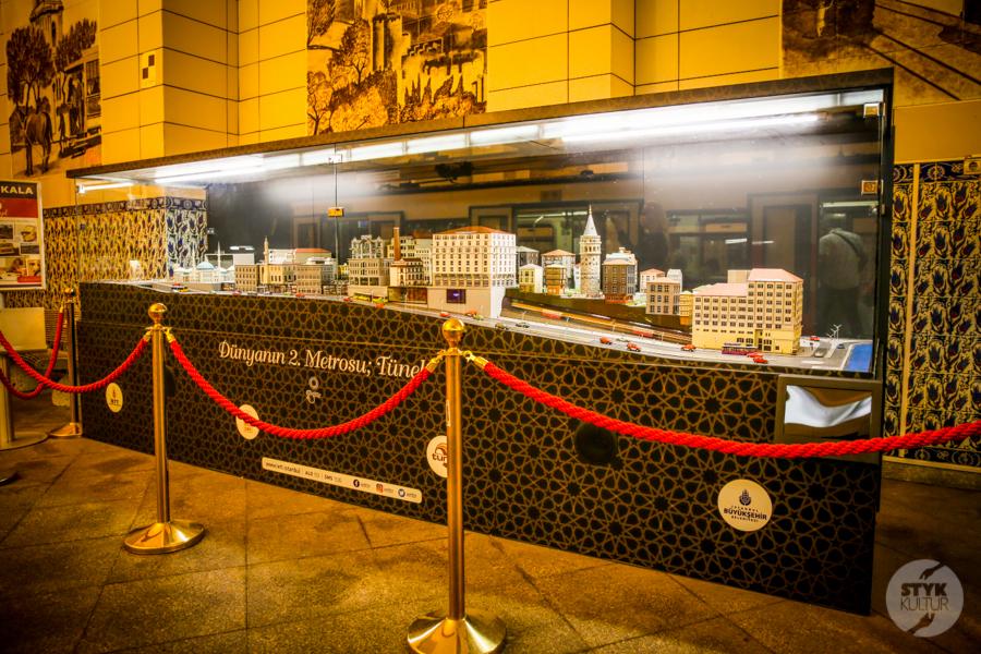 """kolejka 4 of 12 Stambulski """"Tünel""""   druga najstarsza podziemna kolej w Europie!"""