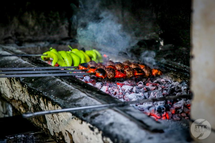 Turcja streetfood 3 Mięsne przekąski, które uwielbiają (prawie) wszyscy Turcy