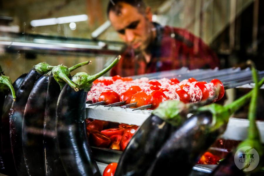Turcja streetfood 4 Mięsne przekąski, które uwielbiają (prawie) wszyscy Turcy