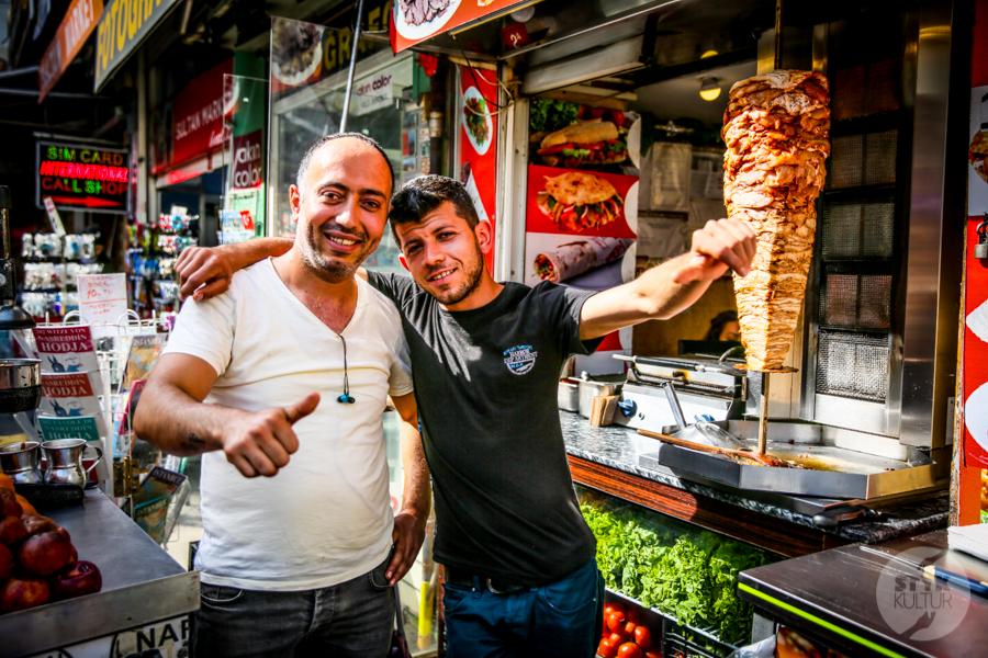 Turcja streetfood 8 Mięsne przekąski, które uwielbiają (prawie) wszyscy Turcy