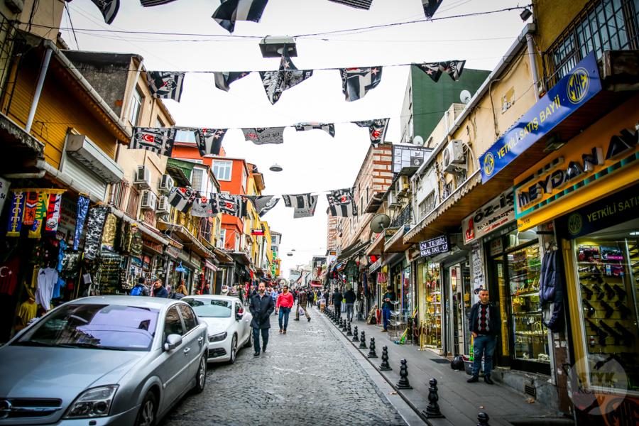 BuyukValideHan okolice 2 of 1 Büyük Valide Han   największy historyczny karawanseraj w Stambule