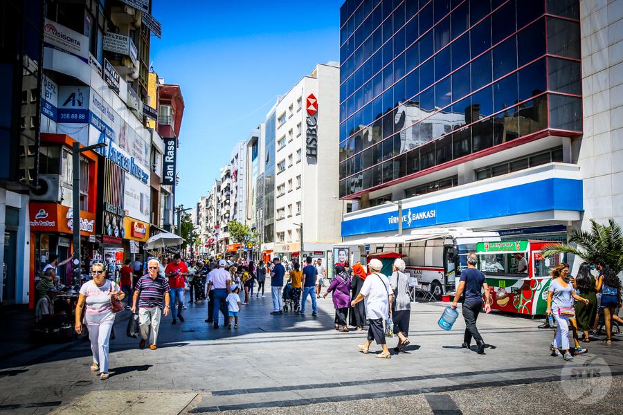 Izmir2 2 of 1 Pieniądze w Turcji   waluta, wymiana w kantorze, płatności kartą Revolut, dolary & euro
