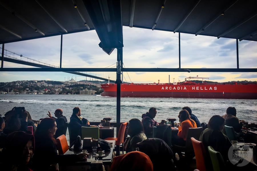 Ortakoy Stambul 4 of 9 Odkryj Ortaköy, malowniczą nadbrzeżną dzielnicę w Stambule