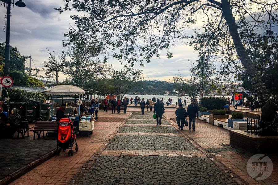 Ortakoy Stambul 7 of 9 Odkryj Ortaköy, malowniczą nadbrzeżną dzielnicę w Stambule
