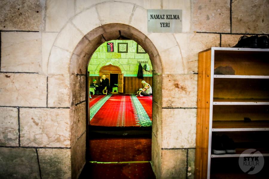 Sanliurfa meczet 9 of 18 Şanliurfa   miejsce narodzin proroka Ibrahima oraz cel pielgrzymek muzułmanów (Turcja Wschodnia)