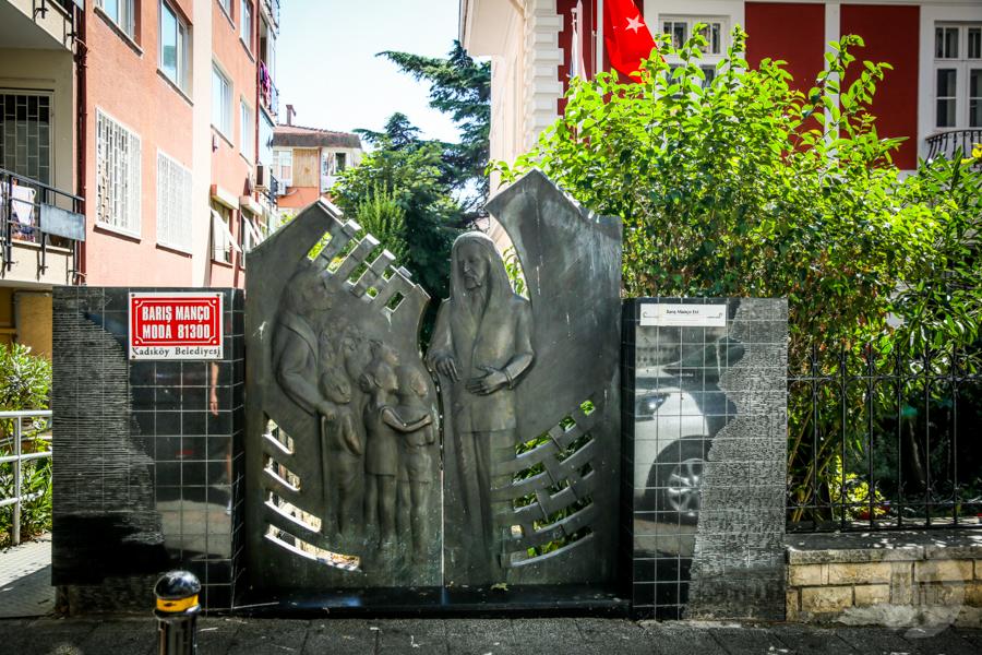 BarisManco muzeum 2 of 1 22 lata temu odszedł Barış Manço, niekwestionowana legenda tureckiego rocka