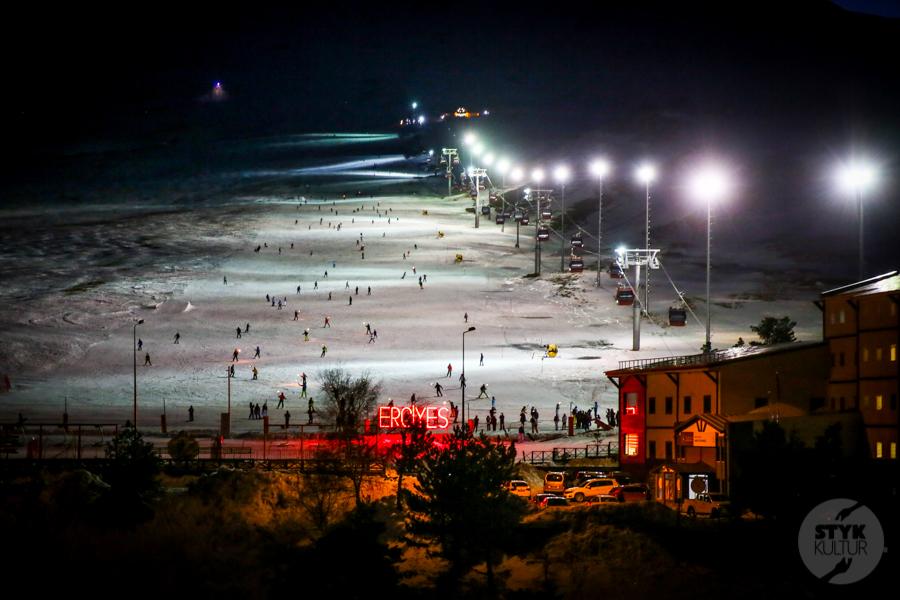 ErciyesSkiMerkezi Turcja 9 of 47 Narty w Turcji, rzut beretem od Kapadocji. Odwiedziliśmy Erciyes Ski Resort!