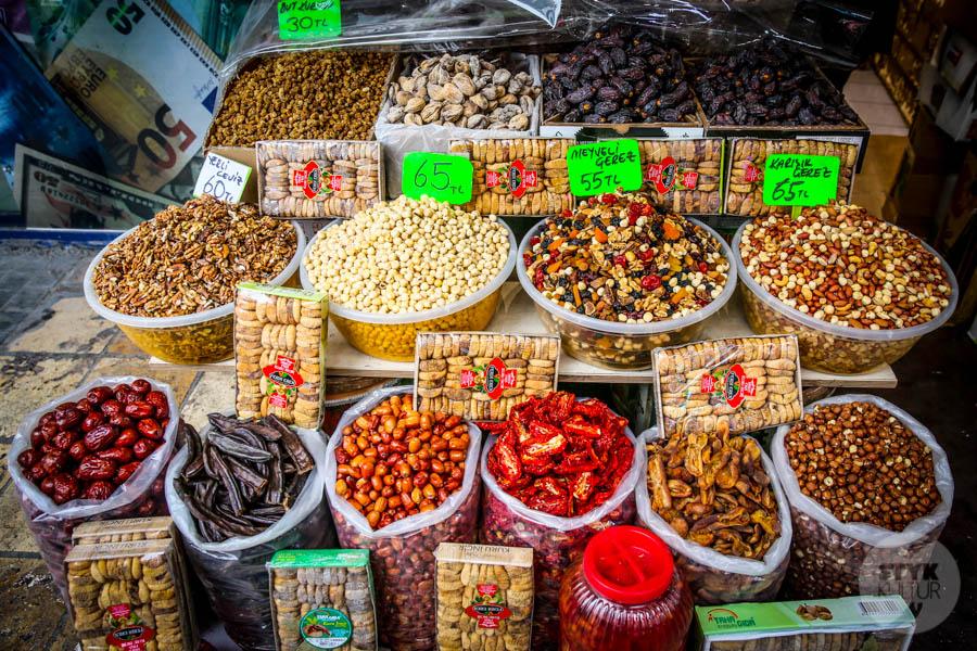 Kayseri bazar 14 of 21 Drugi największy historyczny bazar Turcji: 800 letni Kayseri Çarşısı