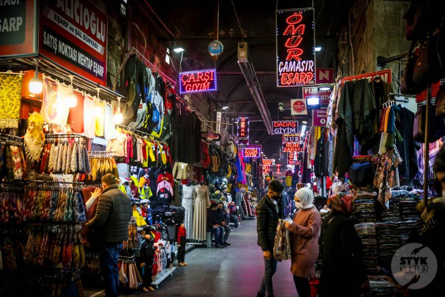 Kayseri bazar 7 of 21 Drugi największy historyczny bazar Turcji: 800 letni Kayseri Çarşısı