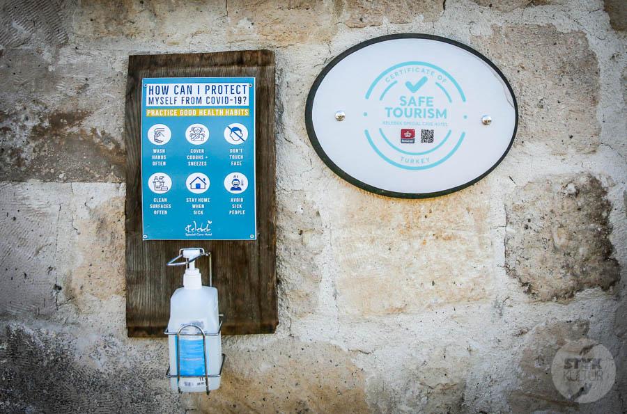 SafeTourism marzec 2 of 1 Wakacje nad Bosforem jeszcze bezpieczniejsze! Turcja priorytetowo zaszczepi pracowników branży turystycznej