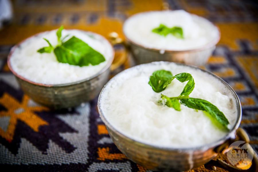 Dara Ayran 2 of 5 Co to jest ayran, popularny turecki napój orzeźwiający?