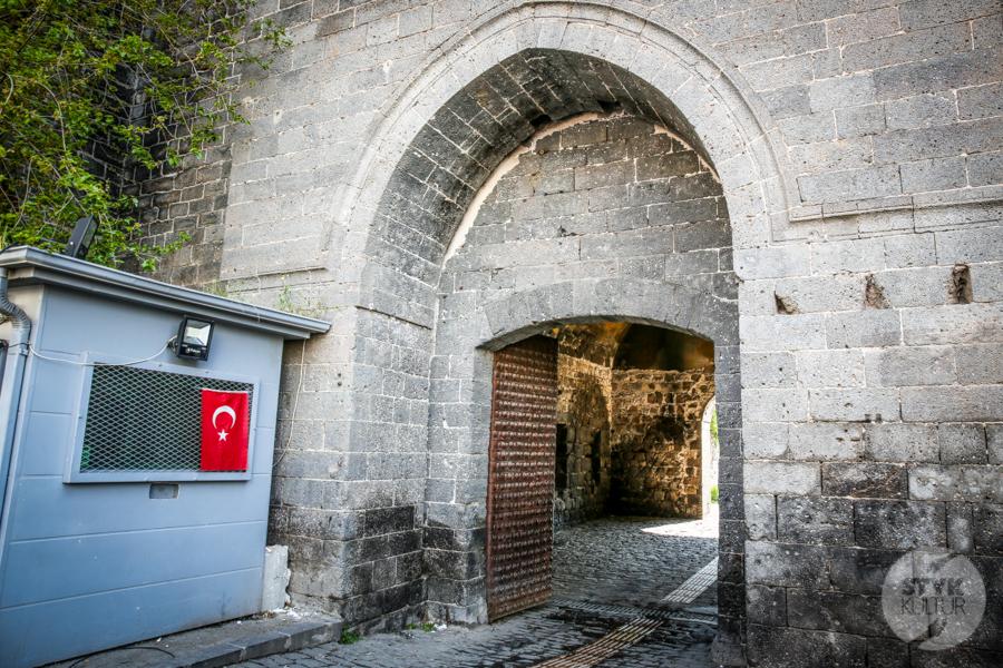 Diyarbakir Turcja 1 of 8 W Diyarbakır odkryto ulicę z czasów rzymskich, liczącą ponad 2000 lat
