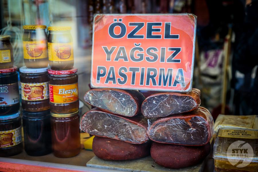 Pastirma Kayseri 4 of 11 Turcy przygotowują się do Ramadanu. W Kayseri hitem pastırma pozłacana jadalnym złotem